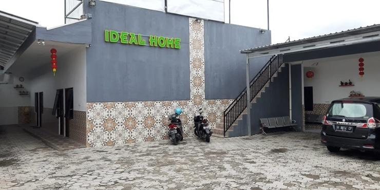 Ideal Home Tegal Tegal - Exterior