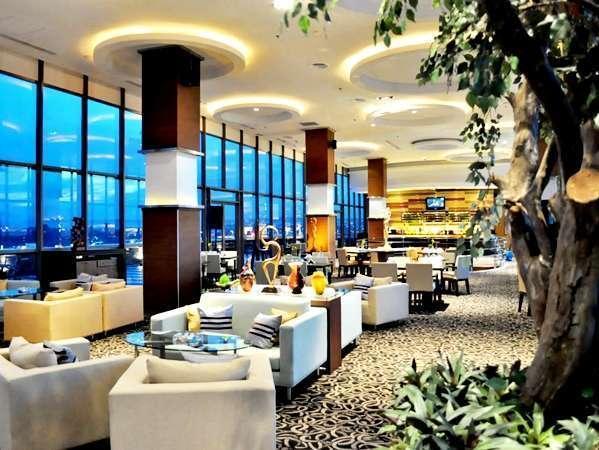 Gumaya Hotel Semarang - Skyline Restaurant