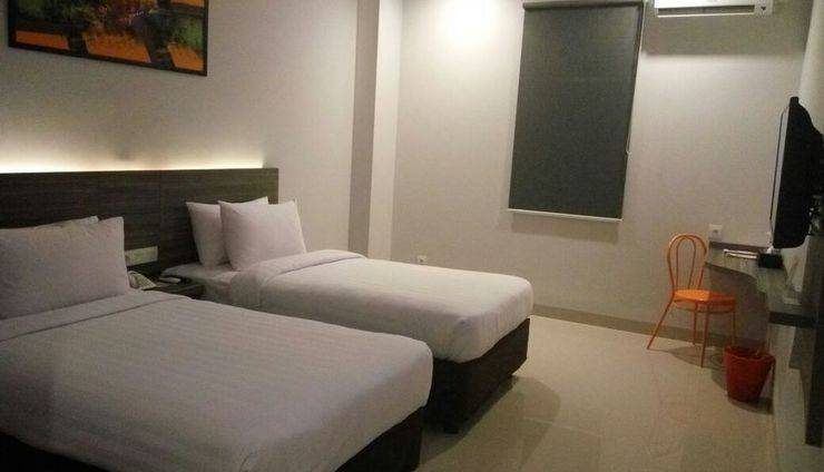 Urban Style by Front One Pringsewu - TWIN BEDROOM