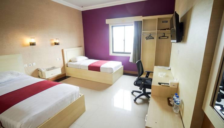New Raja Residence Jakarta - Standard Twin Room