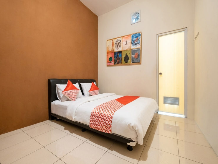 OYO 2168 Mettaloka Guesthouse Magelang - Guestroom S/D