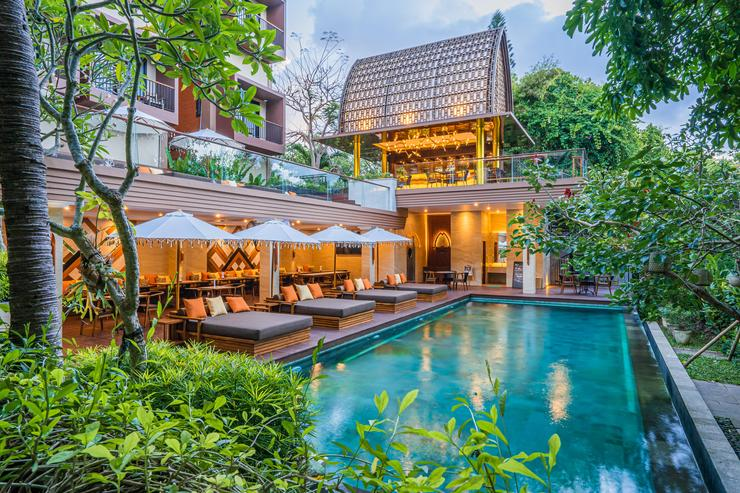 Pandawa All Suite Hotel Bali - Kolam & Restoran