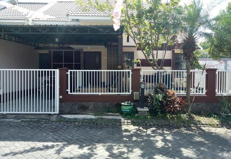 Homestay Manis Syariah Malang - Exterior