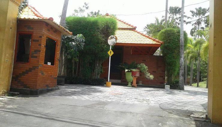 Hotel Cendrawasih Jember - Eksterior