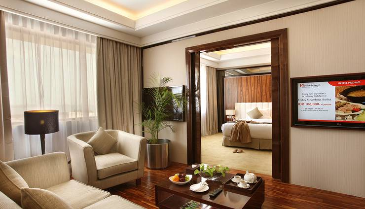 Swiss-Belhotel Harbour Bay Batam - SBHB Junior Suite Living Room - Angle 2