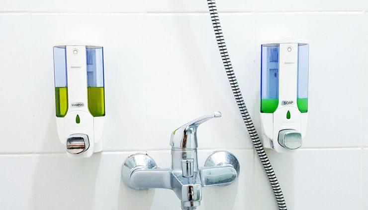 Sunrise Hotel Jombor Jogja - Lengkap dengan sabun dan shampo. Air panas dan dingin.