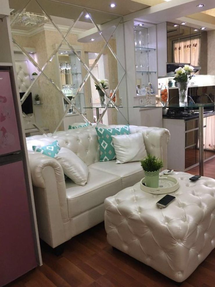 Room by Queen Property Jakarta - Interior