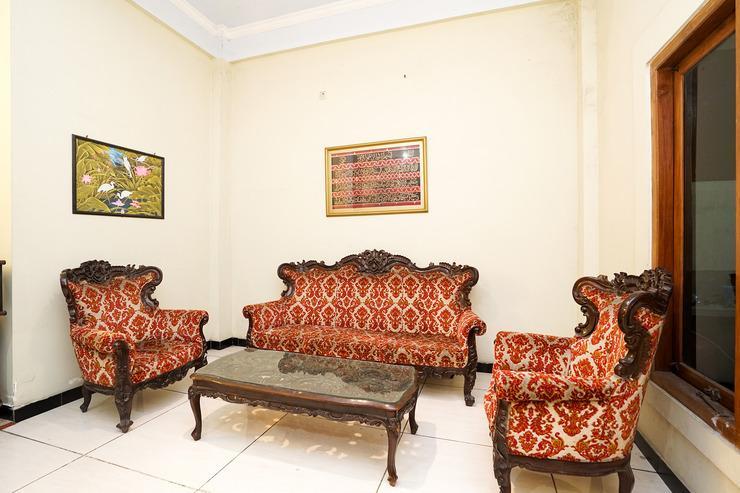 OYO 475 Kartika Syariah Homestay Surabaya - Common Area