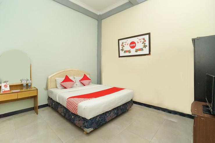 OYO 475 Kartika Syariah Homestay Surabaya - Bedroom