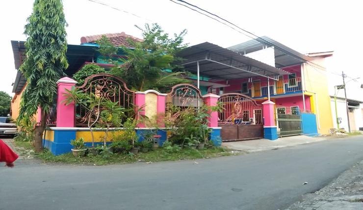 Homestay Lidiya Banyuwangi - Exterior