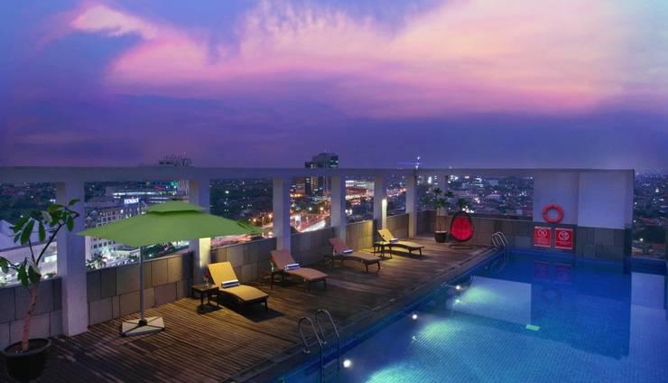 Aston Imperial Bekasi Hotel Bekasi - Kolam Renang