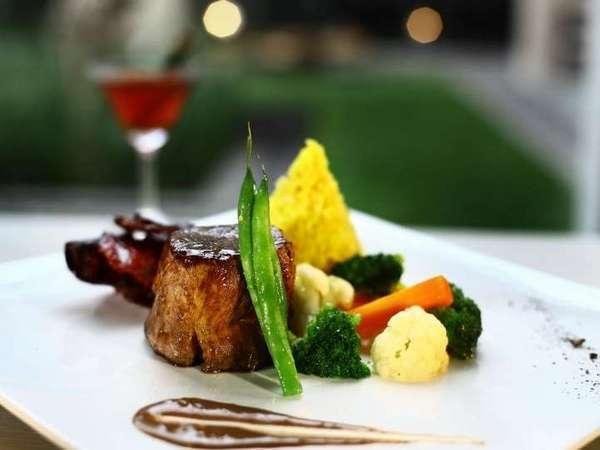 Grand Aston Yogyakarta - Makanan