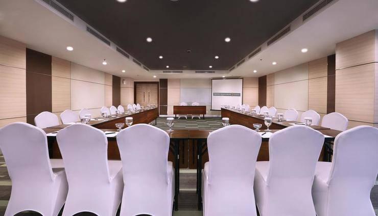 Harper Mangkubumi - Meeting room