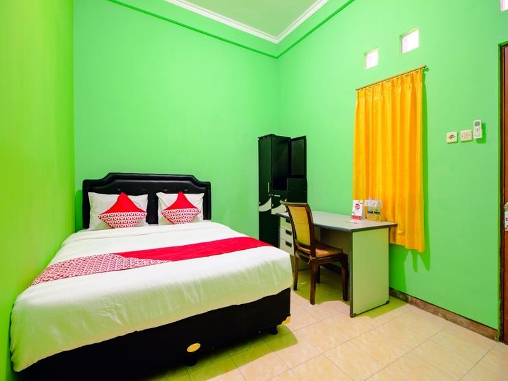 OYO 1593 Pondok Garini Syariah Yogyakarta - Bedroom