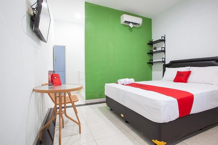 RedDoorz near DBL Arena 2 Surabaya - Guestroom