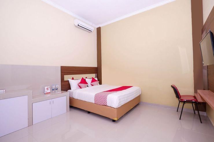 OYO 1506  Shabrina 2 Syariah Solo - Bedroom D/D