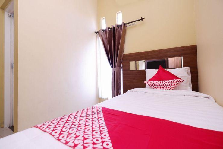 OYO 1506  Shabrina 2 Syariah Solo - Bedroom S/S