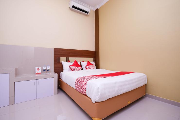 OYO 1506  Shabrina 2 Syariah Solo - bed