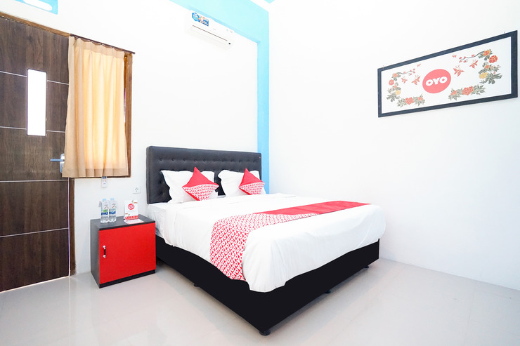 OYO 877 Bypass Town Square Mojokerto - Bedroom