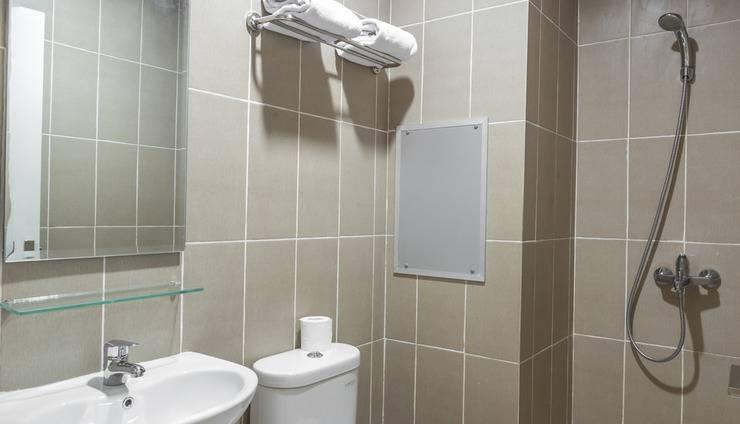 Astera Hotel Bintaro - kamar mandi