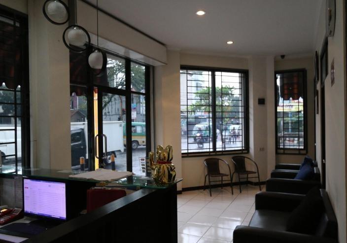 Bantal Guling Alun Alun Bandung - Lobby