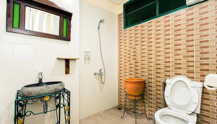 ZenRooms Kemang - Kamar mandi