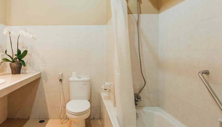 Kuta Puri Bungalow and Spa Bali - Bathroom