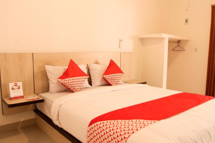 OYO 174 Desilva Bandara Palembang - Bedroom