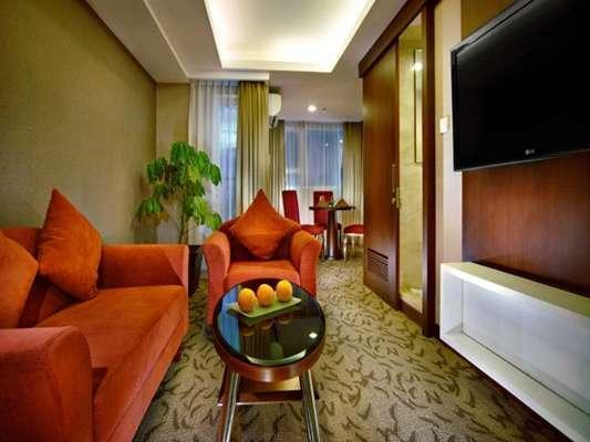Aston Pluit - Suite