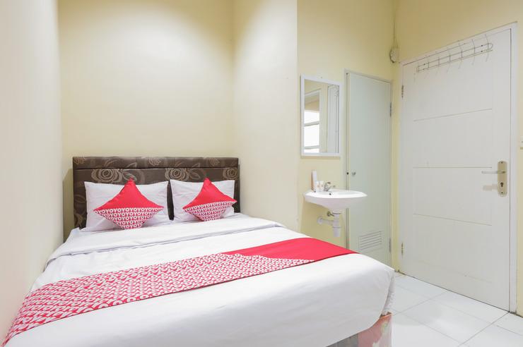 OYO 544 Caraka Inn Syariah Jakarta - Bathroom