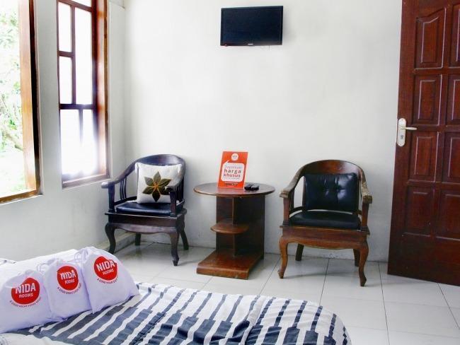 NIDA Rooms Borobudur Balaputera Jogja - Kamar tamu