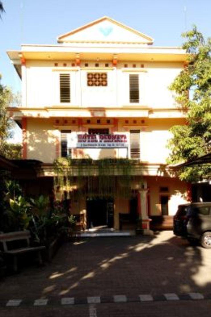 Hotel Permata Sidoarjo - Exterior