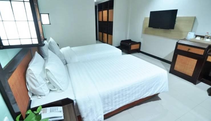 Sofia Front One Juanda Hotel Surabaya - Twin Bed