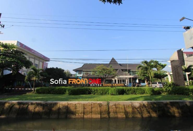 Sofia Front One Juanda Hotel Surabaya - tampak depan
