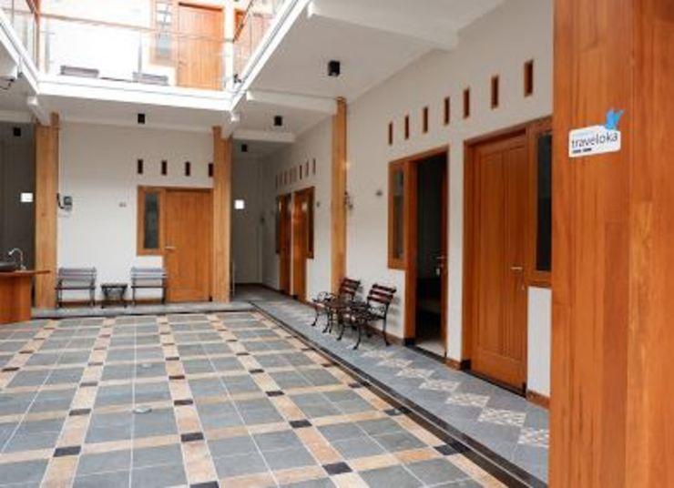 New Guesthouse Tatasurya Syariah Malang - Other