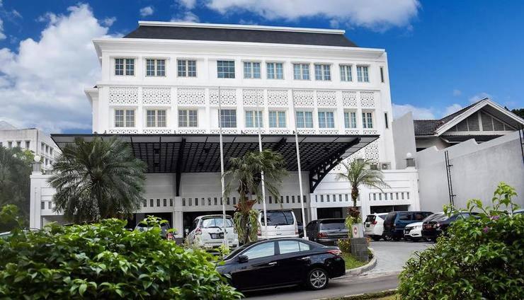 The Mirah Hotel Bogor - building