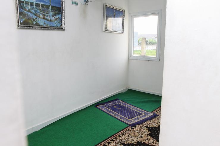 Airy Aeropolis Residence Suryadarma Tangerang - Praying room