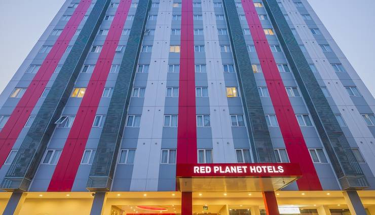 Red Planet Bekasi - Exterior