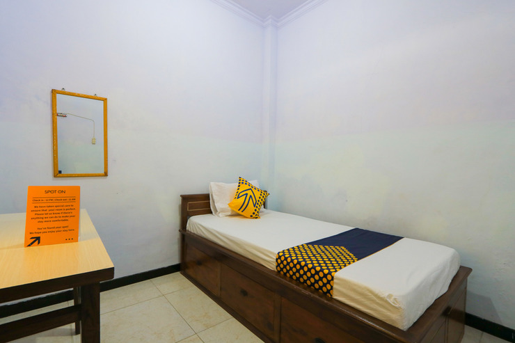 SPOT ON 2497 Pesona Guest House Banyuwangi - Guestroom Sp/S