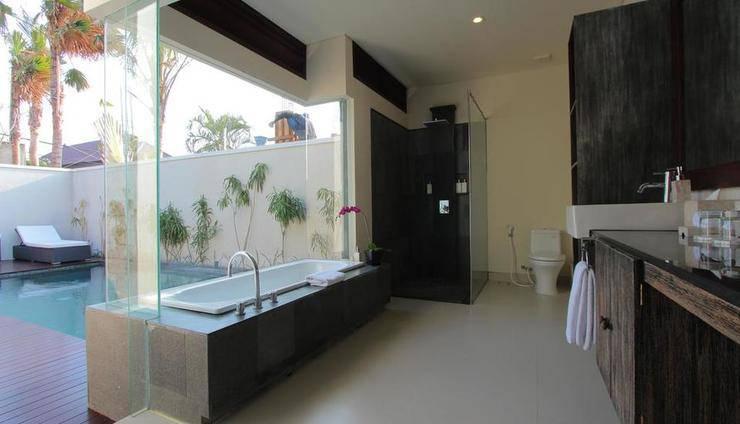 Royal Samaja Villa Bali - Guest Room