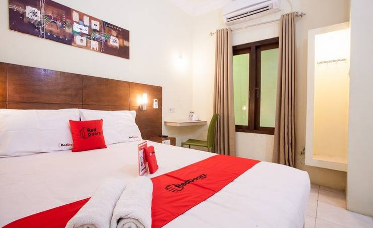 RedDoorz near Marvel City Mall Surabaya - Room
