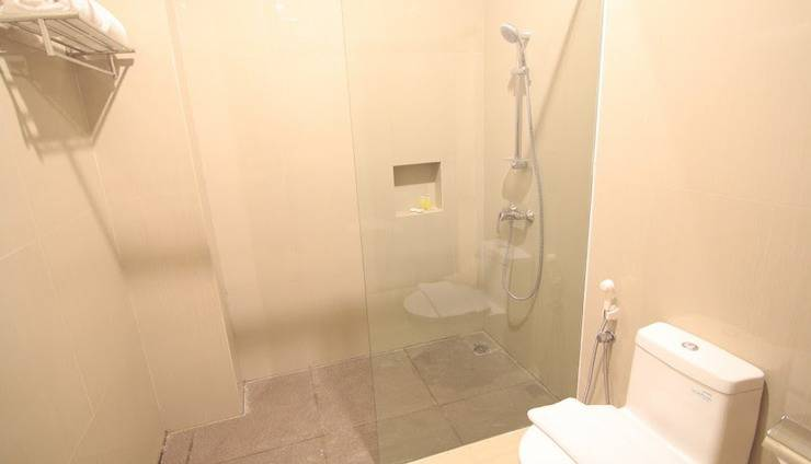 The Garden Suites Hotel Solo - toilet