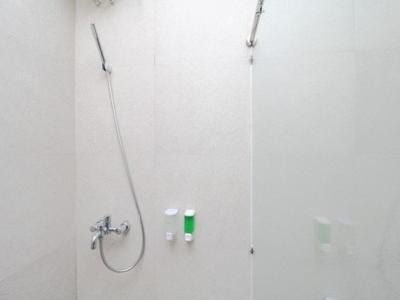 Airy Kasihan Kembaran Yogyakarta - Executive Bathroom