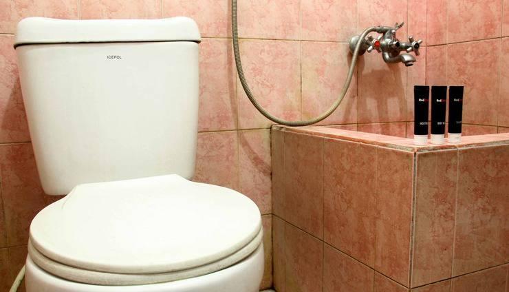 RedDoorz @Pelajar Pejuang 2 Bandung - Kamar mandi
