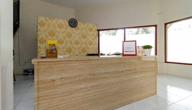 RedDoorz Plus at Slamet Riyadi Solo -