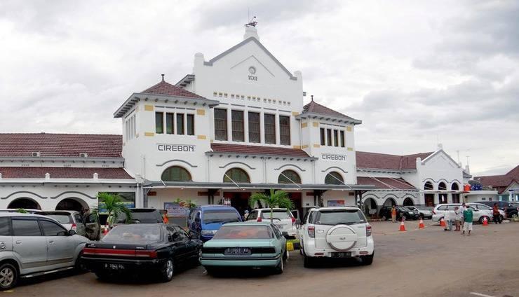 Hotel Koening Gallery Cirebon - Exterior