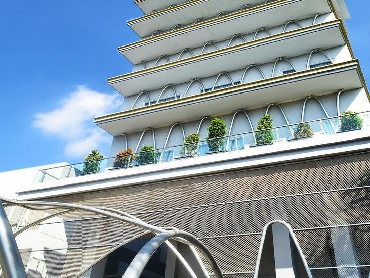 La Lisa Hotel Surabaya - 29/12/2017