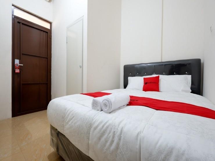 RedDoorz near Akademi Kepolisian Semarang - Guestroom