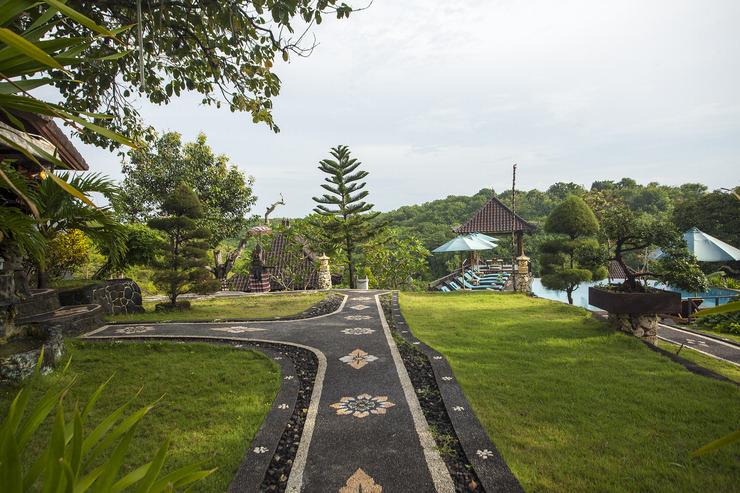 Poh Manis Lembongan Bali - Garden