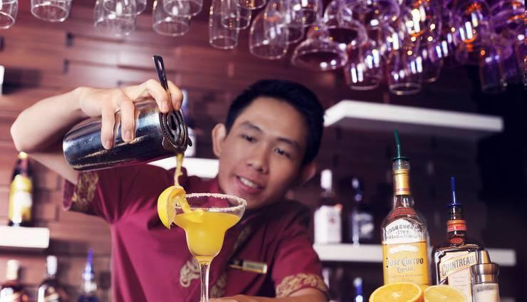Grand Hatika Hotel Belitung - Bar Kikarak Lounge